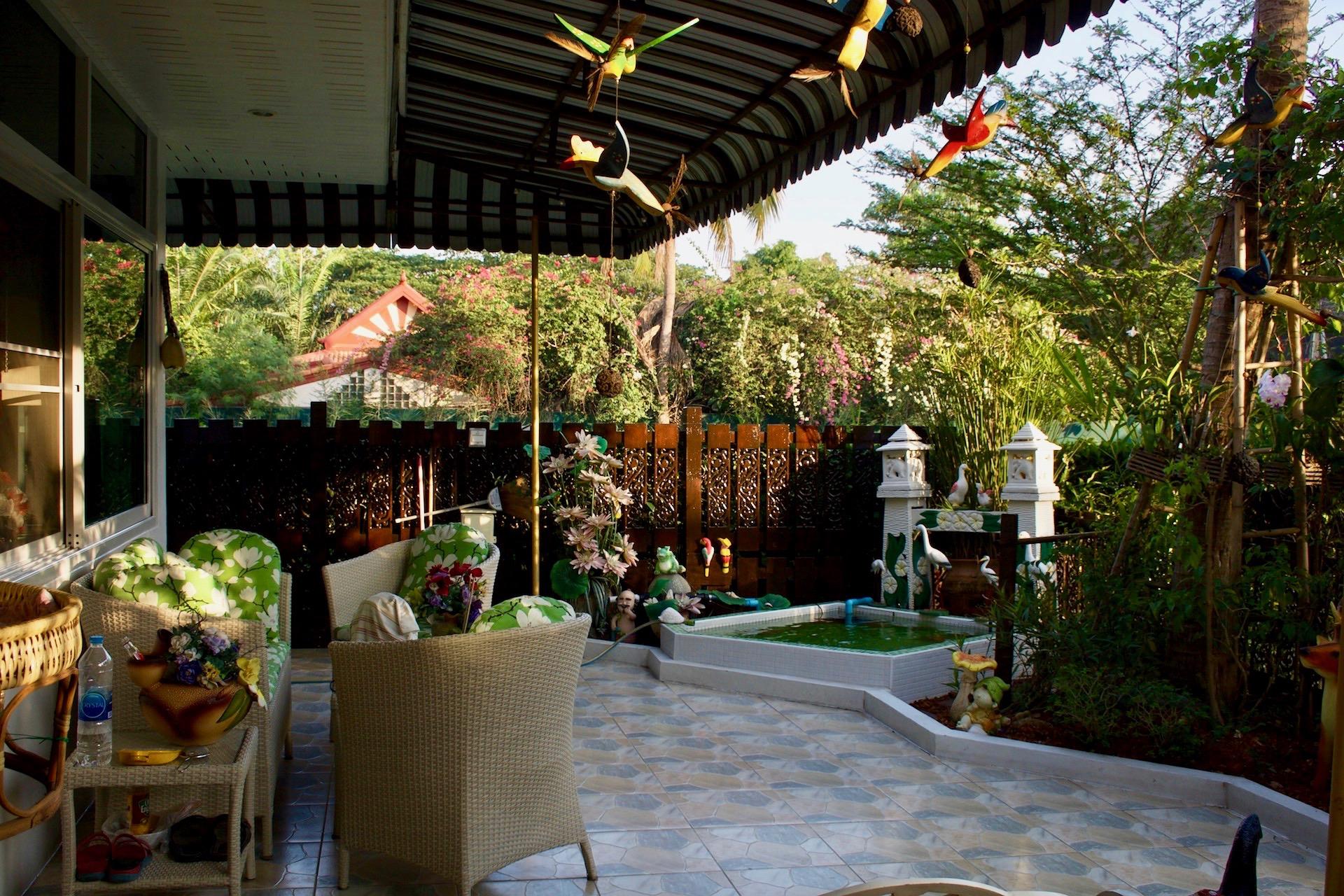 BuildingB-patio2