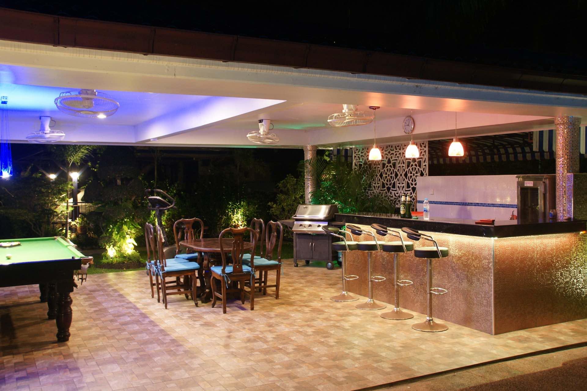 Swiss Sabai Lounge